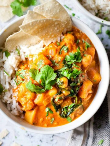 easy butternut squash chickpea vegetarian curry made with Aldi ingredients.