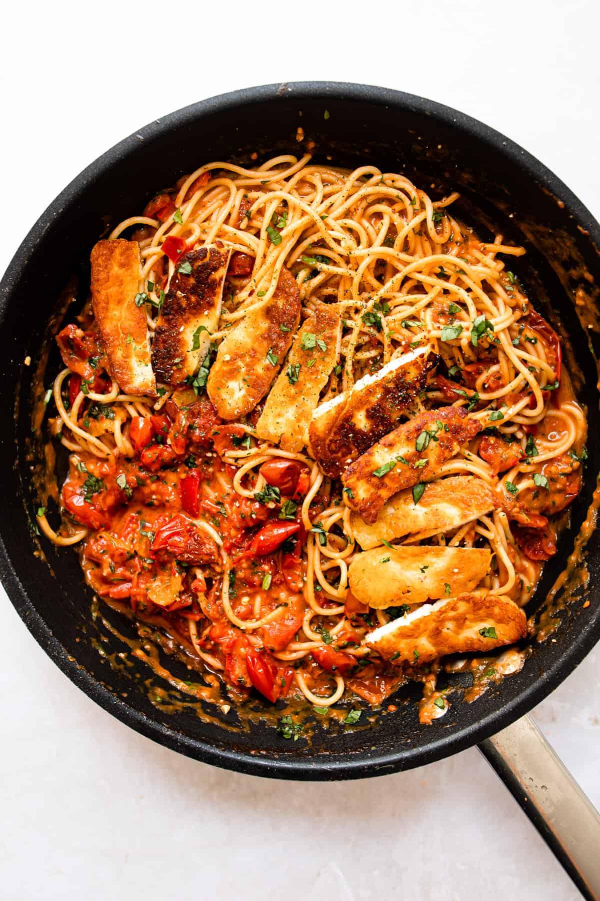 easy halloumi pasta in a skillet. Aldi recipe